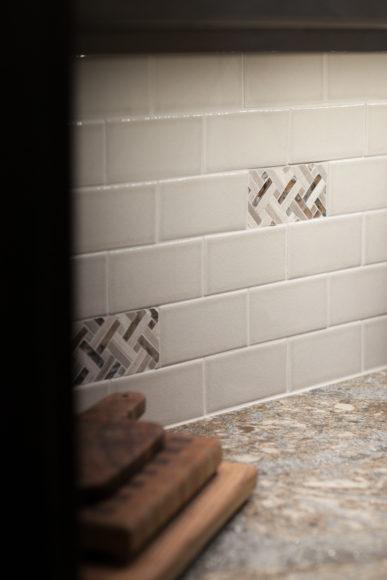 tile backsplash with granite countertop