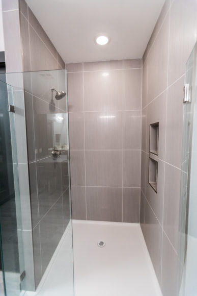 new shower with onyx base