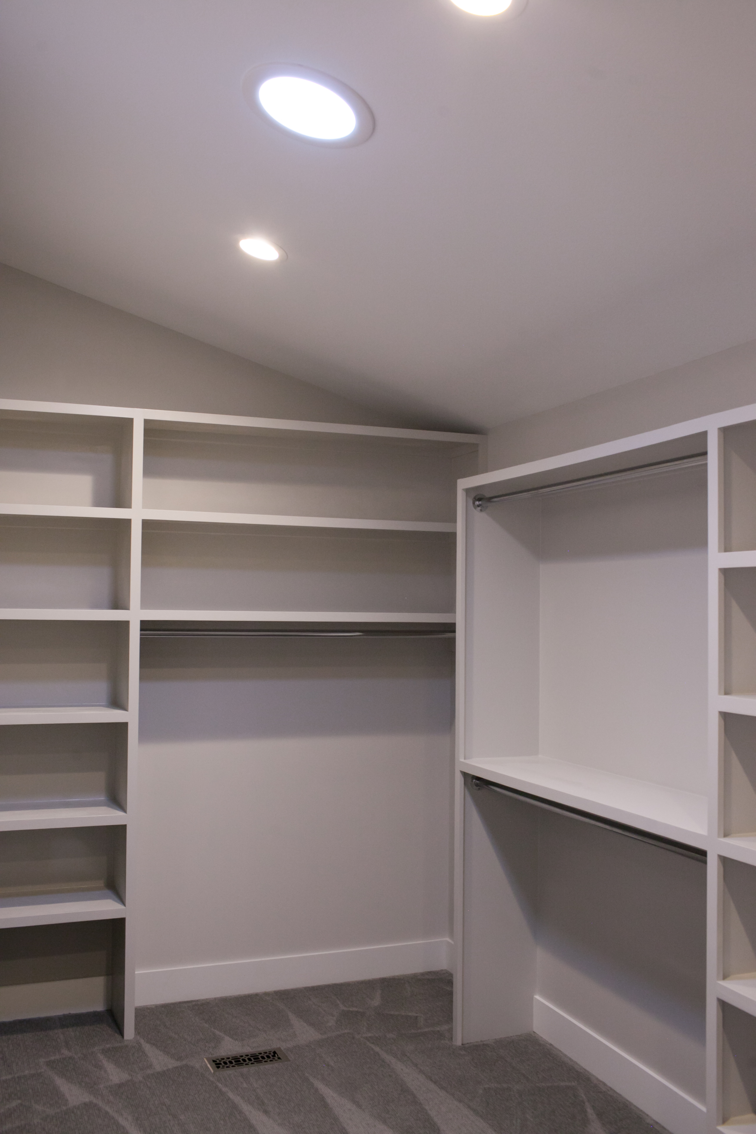 walk in closet in East Wichita