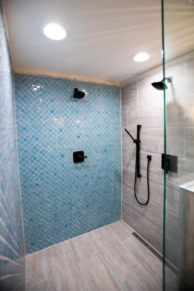 walk-in shower Eastborough, KS
